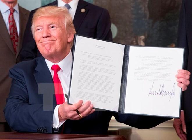 Ông Trump ký sắc lệnh điều tra Trung Quốc vi phạm bản quyền trí tuệ