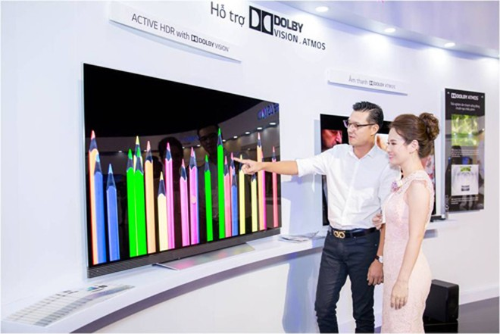 TV mỏng nhất Việt Nam có giá từ 350 triệu đồng