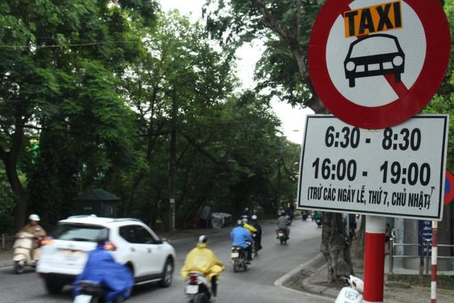 Hà Nội cấm taxi 13 tuyến đường phố