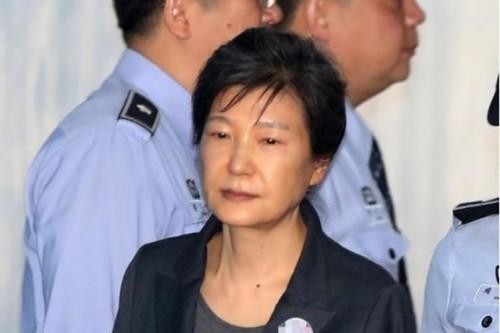 Cựu tổng thống Hàn Quốc Park Geun-hye quyết không ra tòa nghe tuyên án