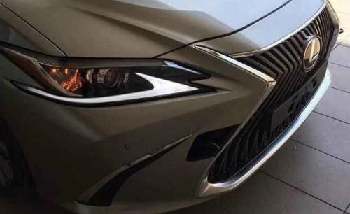 Lexus ES 2019 lộ diện ảnh đầu tiên