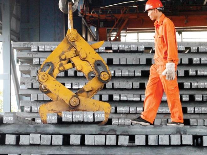 Nguy cơ leo thang cuộc chiến thương mại Mỹ - Trung: Kinh tế Việt Nam bị tác động ra sao?