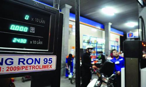 Bộ Công Thương vẫn chưa điều hành giá xăng RON 95