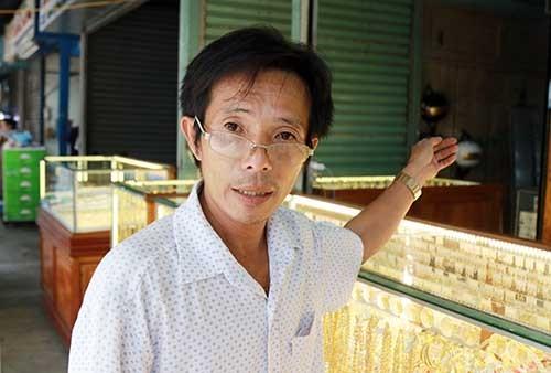 Tiệm vàng ở Khánh Hòa bị trộm gần 300 đôi bông tai