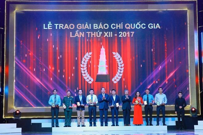Trao Giải Báo chí Quốc gia năm 2017: Báo Đầu tư tiếp tục giành 1 giải B và 1 giải C