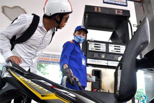 Thuế môi trường với xăng dầu có thể tăng kịch khung từ tháng 10