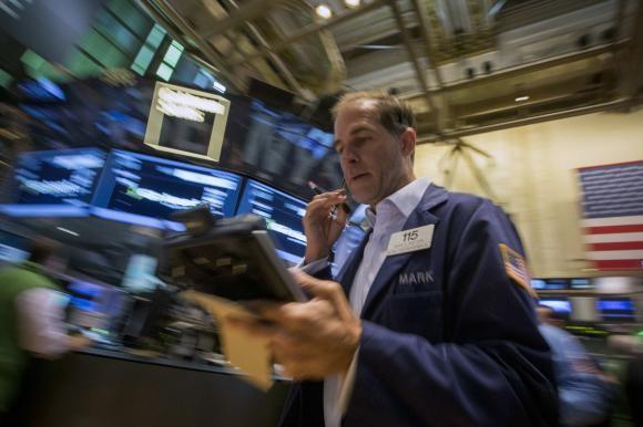 Chứng khoản đảo chiều trước sự thận trọng của nhà đầu tư