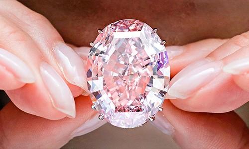 Viên kim cương đắt nhất lịch sử đã có chủ
