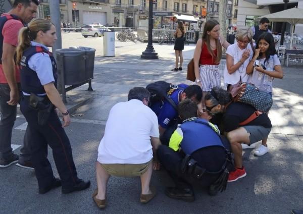 Đâm xe khủng bố vào đám đông ở Tây Ban Nha, 13 người chết