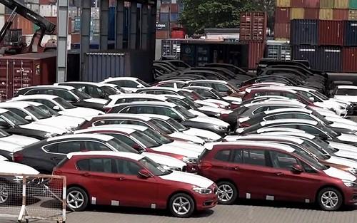 Số phận 700 xe BMW nằm cảng Sài Gòn vẫn chưa rõ