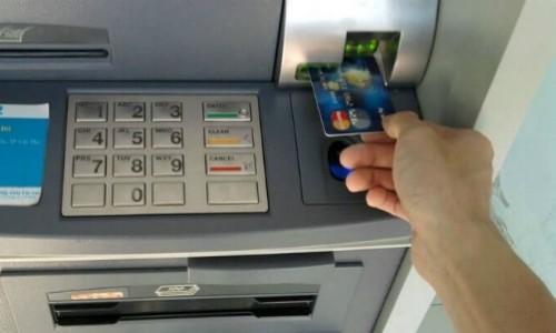 Thẻ tín dụng có thể không được rút quá 5 triệu đồng mỗi ngày