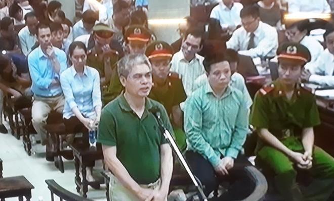 """Đại án Oceanbank: Nguyễn Xuân Sơn khai người đã nhận tiền """"chăm sóc"""""""