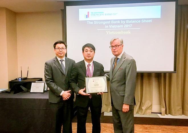 Vietcombank được trao giải thưởng Ngân hàng có bảng cân đối tài chính mạnh nhất Việt Nam