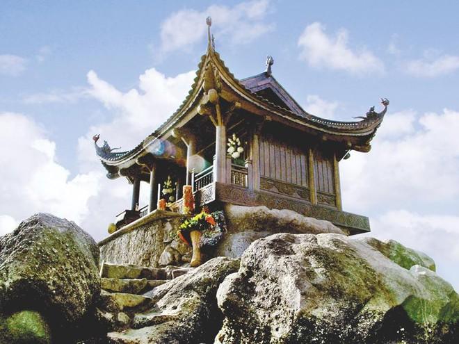 Xã hội hóa việc bảo vệ và phát huy giá trị di tích danh thắng Yên Tử