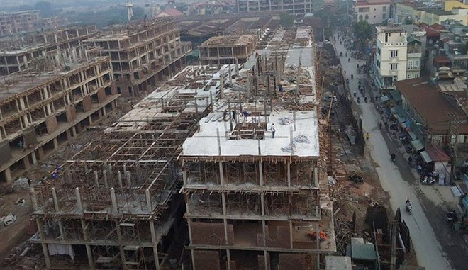 """Thêm dự án chung cư, phố Triều Khúc sắp """"thất thủ"""" vì chật chội"""