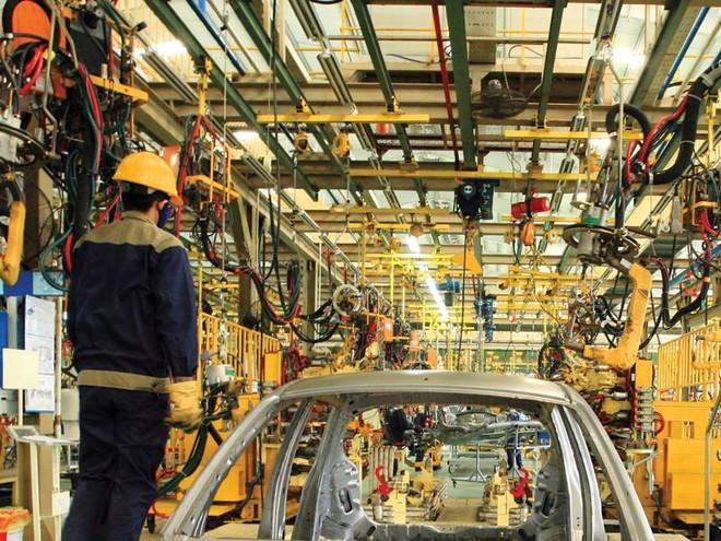 Thủ tướng đốc thúc các tư lệnh ngành thực hiện giải pháp phát triển kinh tế