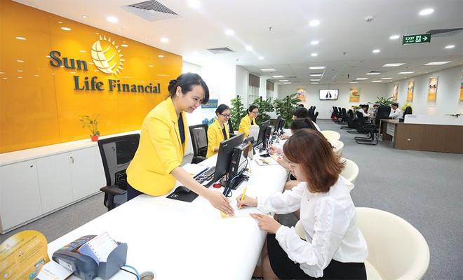 """Các hãng bảo hiểm nhân thọ tiếp tục """"đặt cược"""" ở Việt Nam"""