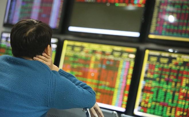 Mắc kẹt với cổ phiếu yếu kém - ảnh 1