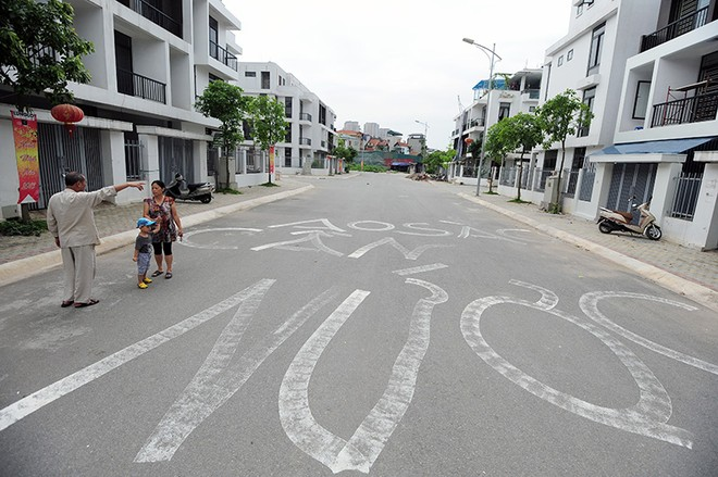 """Khu đô thị Ao Sào: cao cấp """"3 không"""", dân chết khát"""