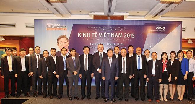 """Bộ trưởng Bùi Quang Vinh """"truyền lửa"""" vượt qua chính mình"""
