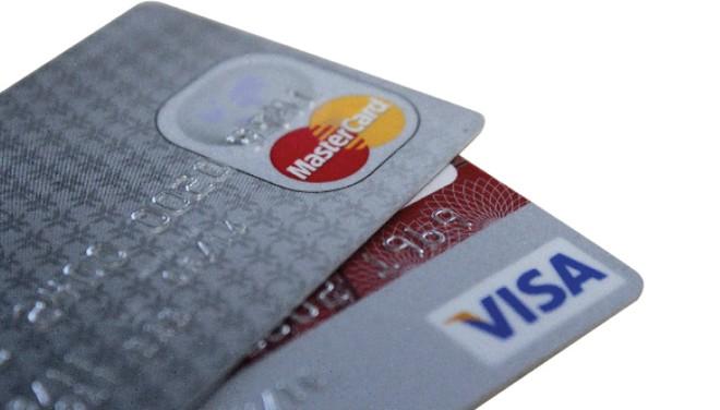 Dịch vụ thẻ, cơ hội trên thị trường 90% giao dịch tiền mặt