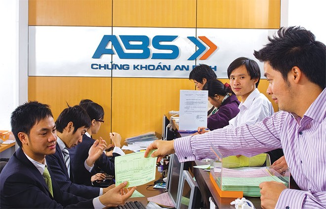 Hàng loạt lãnh đạo doanh nghiệp bán sạch cổ phần