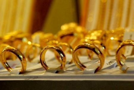 Giá vàng giảm, ngân hàng vẫn chưa thể tất toán dư nợ vàng