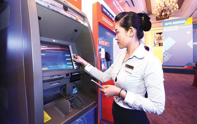Ngân hàng chạy đua công nghệ chiếm lĩnh thị phần bán lẻ