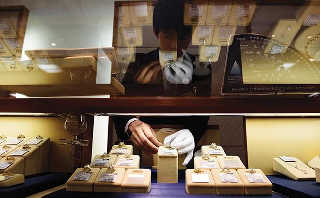 """Kỷ nguyên """"chuộng"""" kim cương tại Nhật Bản đã chấm dứt"""