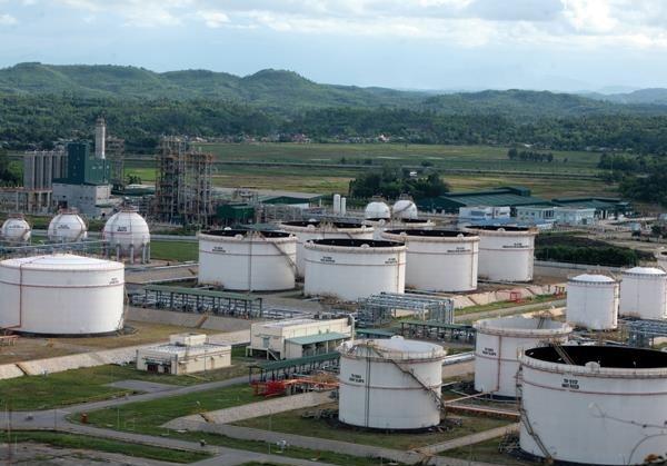 Dầu Diesel vừa giảm giá, lọc dầu Dung Quất lại lo tồn kho lớn