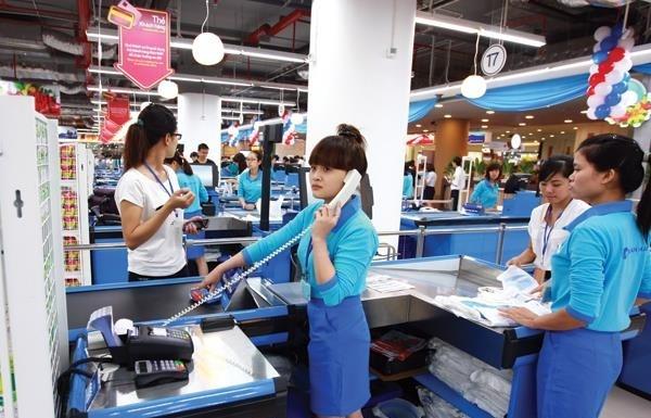 Cạnh tranh nhân sự ngành bán lẻ, lương cao chưa đủ