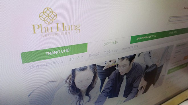 Chứng khoán Phú Hưng bị khách hàng tố tráo trở