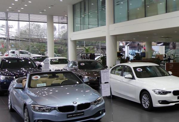 Ô tô nhập khẩu tăng mạnh trong nửa đầu năm 2015