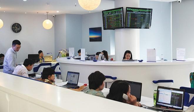 Mua cổ phiếu quỹ, luật không thể nửa vời để doanh nghiệp lạm dụng