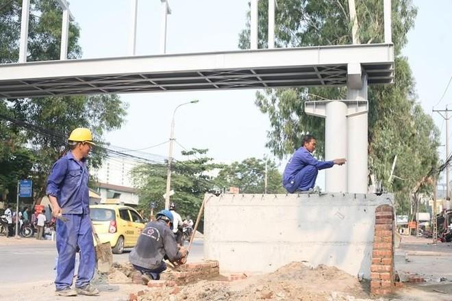 Hà Nội: Đầu tư 4,6 tỷ đồng xây cầu vượt đi bộ qua đường Tân Mai