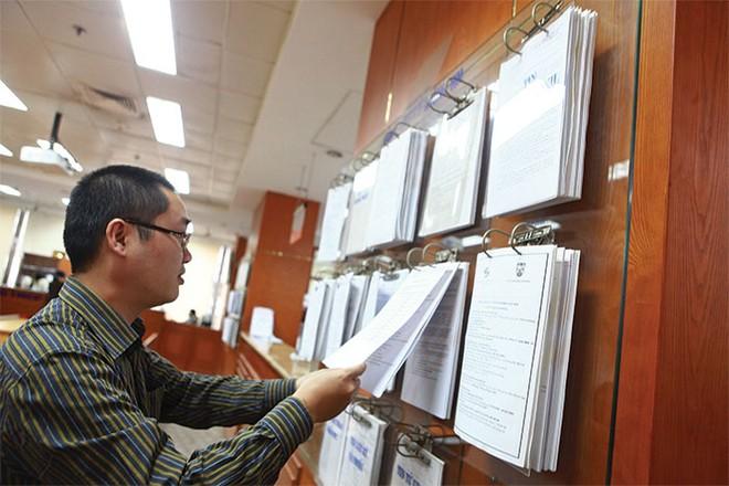 Thấy gì từ báo cáo soát xét bán niên 2015?
