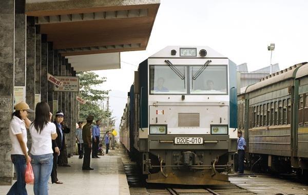 Đường sắt Hà Nội - TP.HCM nhắm tốc độ chạy tàu 80 - 90 km/giờ