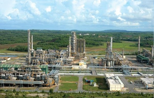 Lọc dầu Dung Quất chịu mức thuế cao vẫn lãi lớn