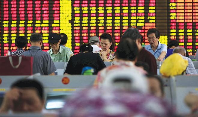 Dự trữ ngoại tệ sụt giảm, cơn đau đầu mới của Trung Quốc