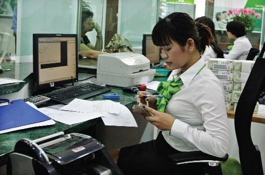 Siết quản lý ngoại tệ, doanh nghiệp không dễ vay USD