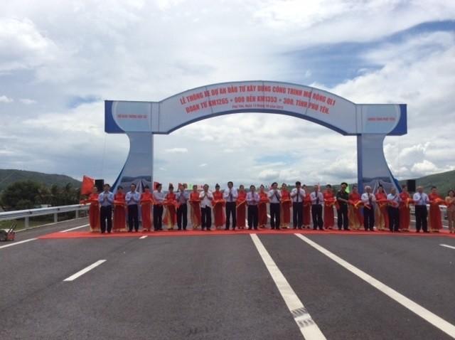 Thông xe 66 km Quốc lộ 1 rộng 4 làn xe qua Phú Yên