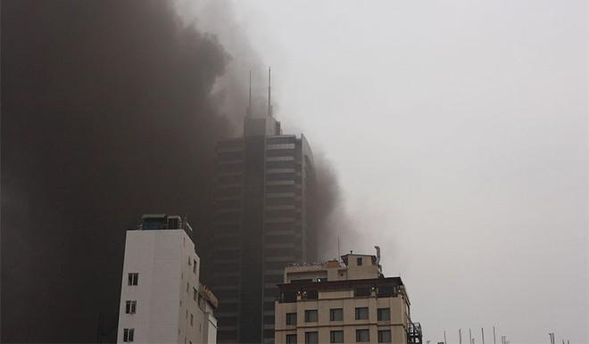 """Phòng chống cháy nổ chung cư: Không thể """"đèn nhà ai nhà ấy tỏ"""""""
