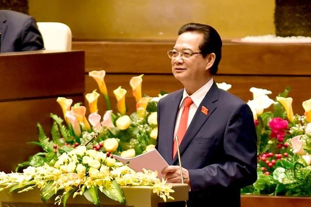 Thủ tướng Nguyễn Tấn Dũng trả lời chất vấn của đại biểu Quốc hội về giải quyết tranh chấp trên biển Đông