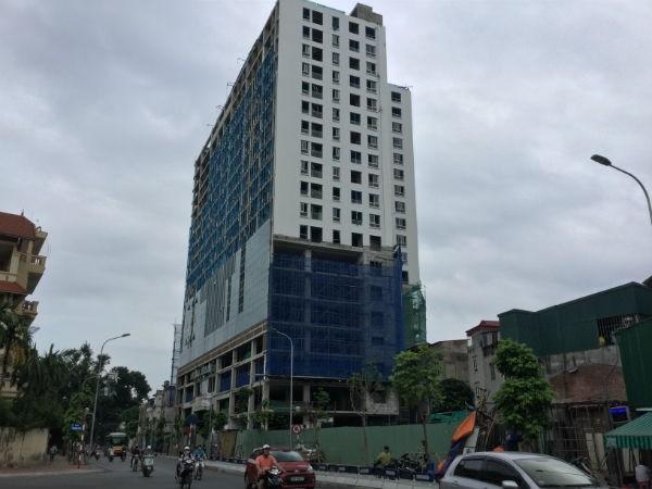 """Chủ đầu tư tòa nhà 8B Lê Trực cam kết """"cắt ngọn"""" từ 21/11"""