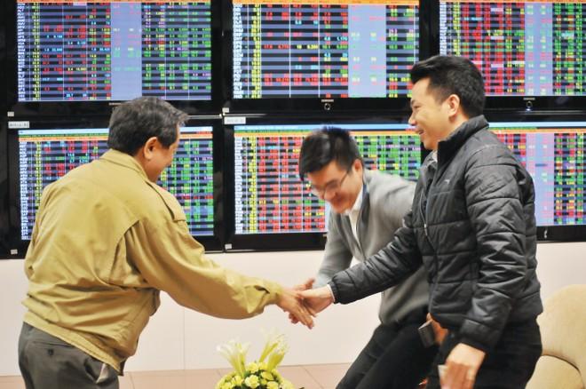"""TS. Alan T.Pham: Fed tăng lãi suất, TTCK Việt Nam đã """"chiết khấu"""" gần xong"""