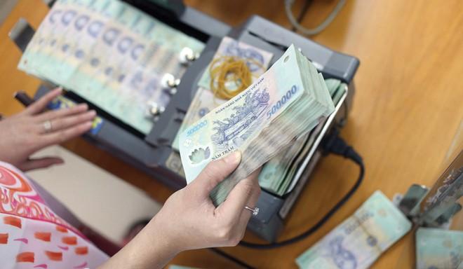 Cung ứng tiền Tết Nguyên đán: Vẫn nỗi lo ATM hết tiền