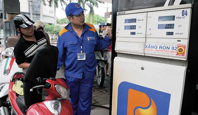 Xem xét thay đổi cơ chế điều hành giá xăng dầu