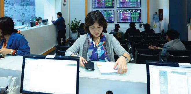 5 nhóm giải pháp phát triển thị trường chứng khoán