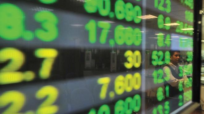 """Thêm tín hiệu vĩ mô """"đỡ"""" thị trường chứng khoán"""