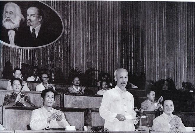 Chủ tịch Hồ Chí Minh và tư tưởng cội nguồn của Đổi mới